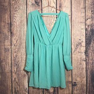 Dresses & Skirts - XTaren Dress M Long Sleeve Back Cut Out